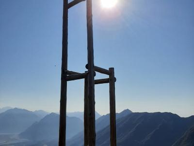 Via del Marmo -Monte Lovinzola - panorama stupendo sulle Alpi e sulla pianura